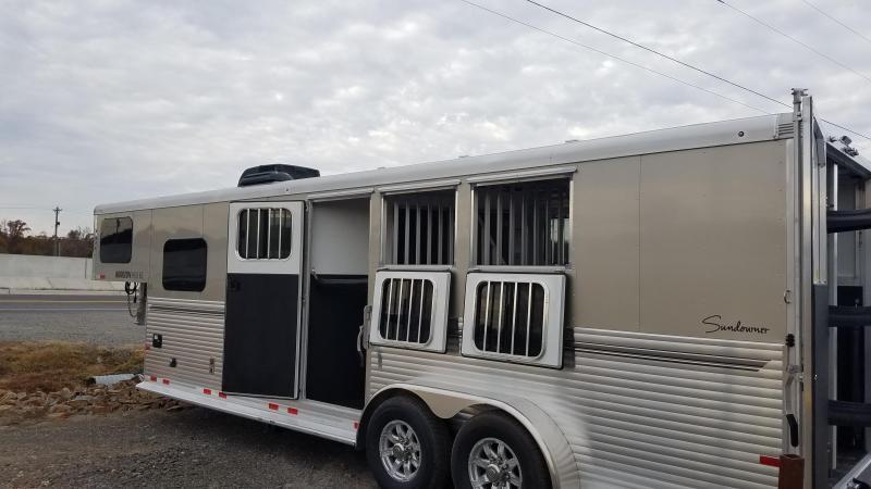 2020 Sundowner 3 Horse Trailer with Living Quarters