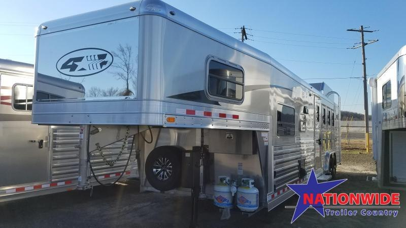 2020 4-Star  4 HORSE TRAILER WITH LIVING QUARTERS