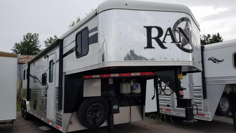 **SUPER SPECIAL*** 2015 Bison Trailers RANGER Horse Trailer with Slide-Out