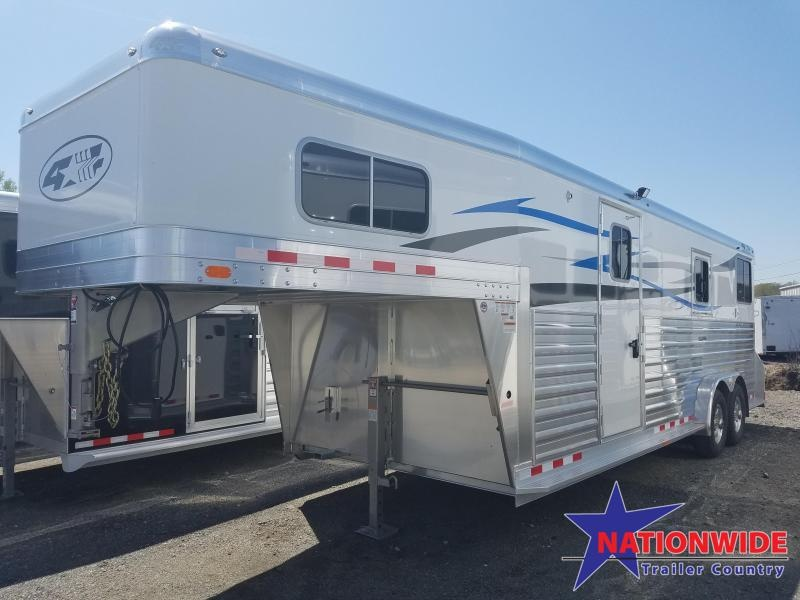 ***MANAGER'S SPECIAL***2018 4-Star Trailers 4 STAR 2+1 Horse Trailer