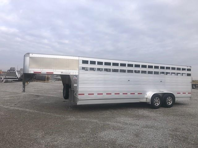 "2020 Eby 24' x 6'11"" x  6'6'' Maverick GN Slat B - Freedom Edition with Spare  GN Livestock"