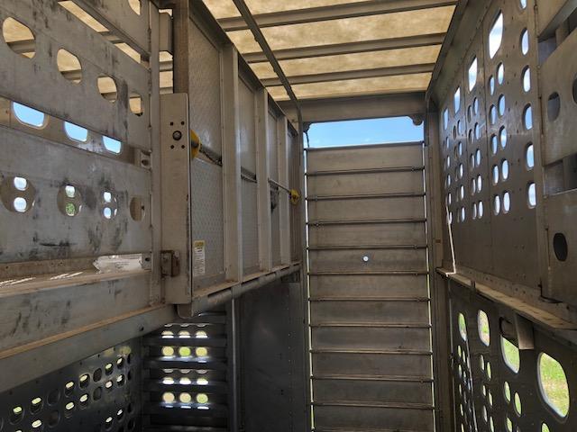 Used 2016 Eby 53' Triple Axle Livestock Semi with Rear Lift