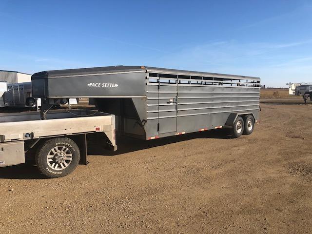 2000 Pacesetter Used 22' Pacesetter Steel Gooseneck Livestock Trailer  GN Livestock