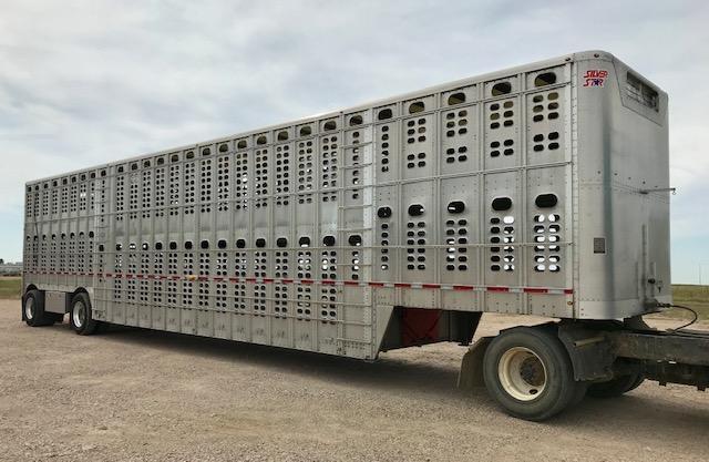 2017 Wilson 53' Spread Livestock Semi Trailer