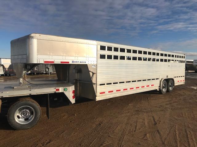2016 Eby 28' Ruff Neck Gooseneck Livestock Trailer