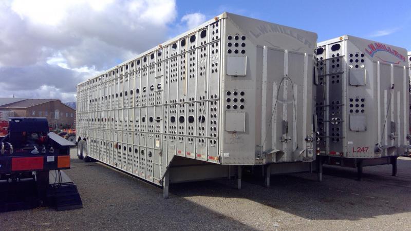 2012 Merritt 48' Livestock Semi Trailer