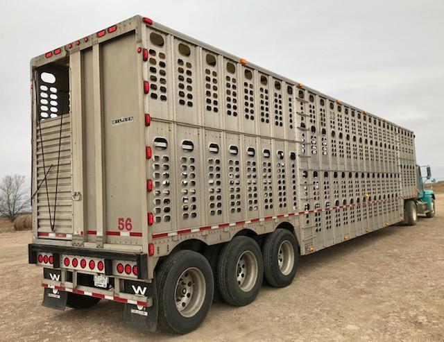 2012 Wilson 53' Spring Ride Tri-Axle Livestock Semi Trailer