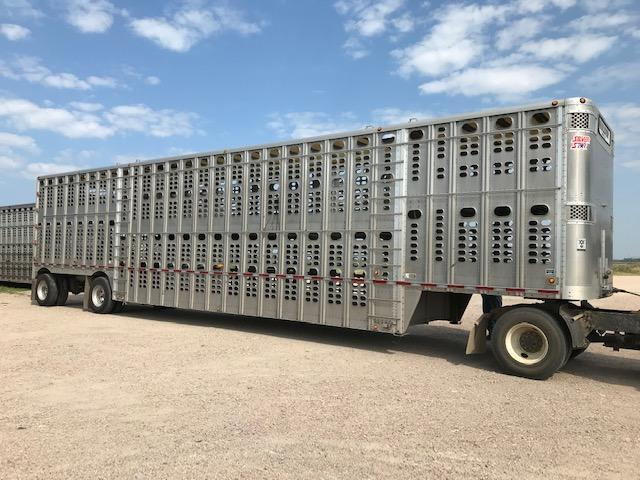 2012 Wilson 52' Spread Livestock Semi Trailer