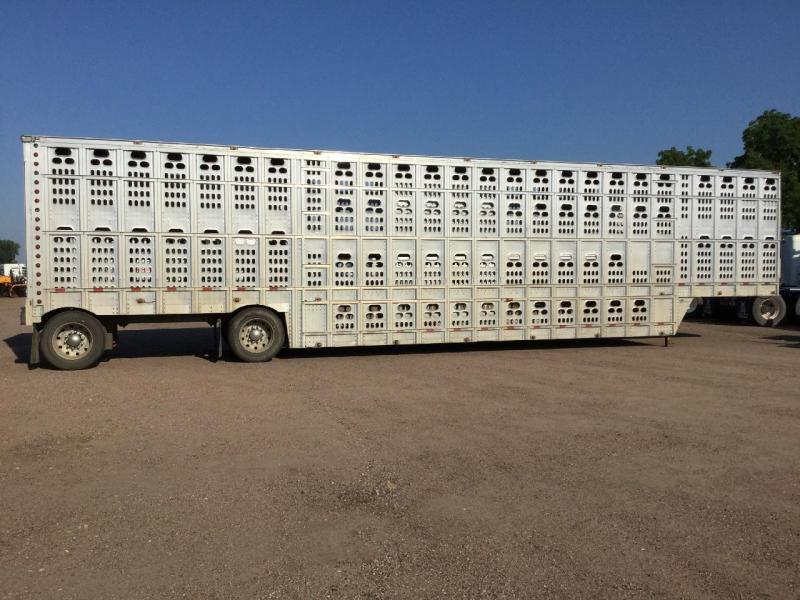 2008 Barrett Trailers 53' SPREAD Livestock Trailer