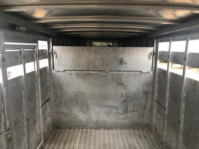 2003 Sooner 28' x 7' Livestock Trailer