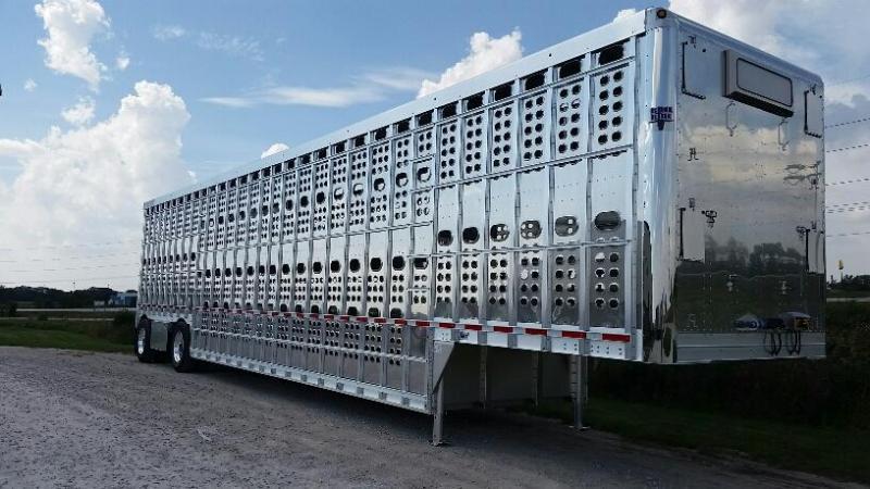 "2020 EBY 53' x 102"" x 13'6"" Air Ride Hog Friendly Spread  Pot Livestock-Semi"