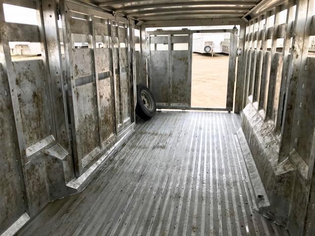 """2016 Sooner Sooner 30' x 7'6"""" Gooseneck Livestock Trailer  GN Livestock"""