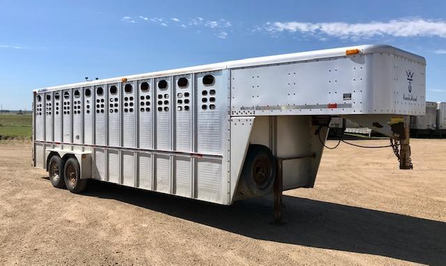 2005 Wilson Used 24' Gooseneck Livestock Trailer