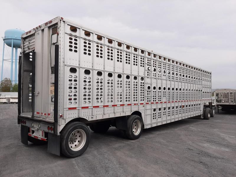 2001 Wilson Trailer Company Possum Belly Livestock
