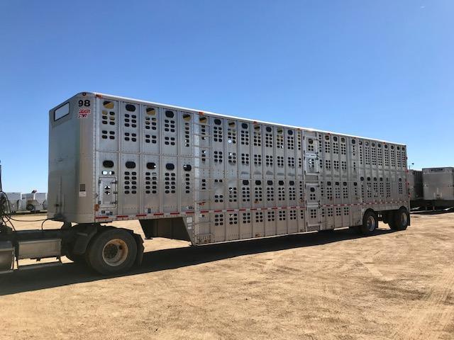 2014 Wilson 52' Spread Livestock -Semi