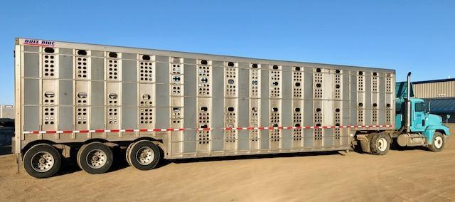 2016 Eby 53' DDL Bullride Livestock Semi Trailer