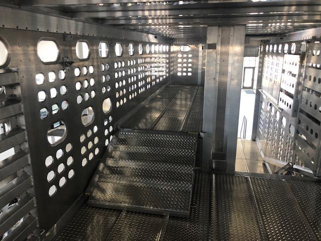 "2021 Eby 53' x 102"" x 13'6"" Air Ride Hog Friendly Spread  Pot Livestock-Semi"