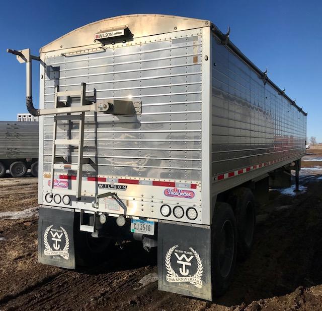 2016 Wilson Trailer Company Pace Setter Grain Hopper