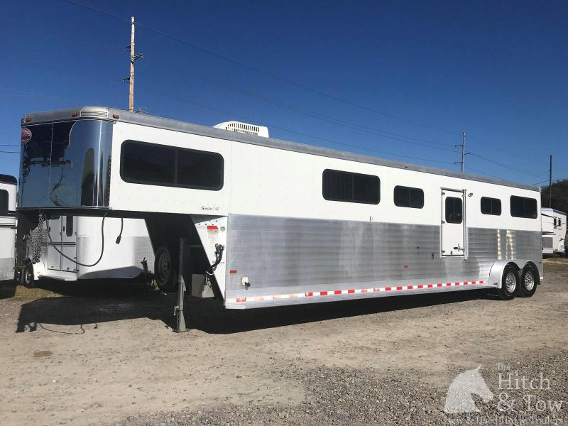 2007 Sundowner Trailers Sundowner Horse Trailer