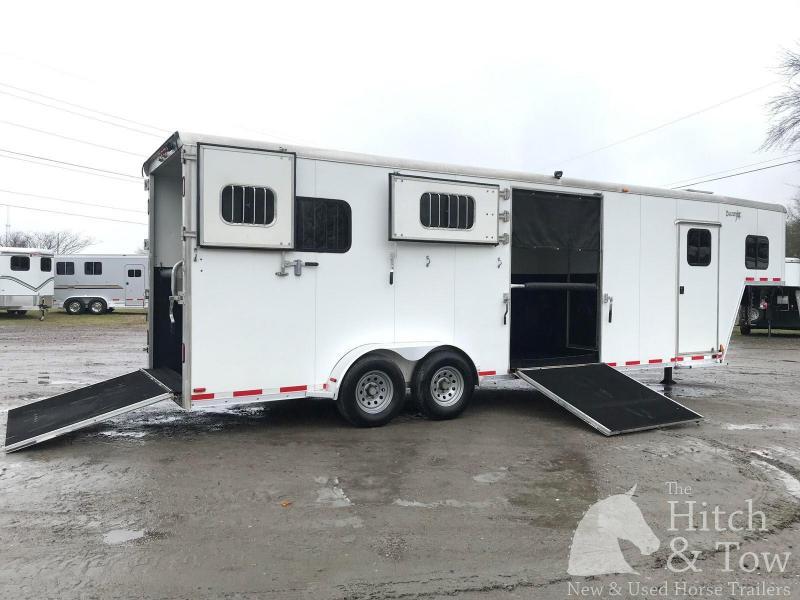 2012 Merhow Trailers Equistar Horse Trailer