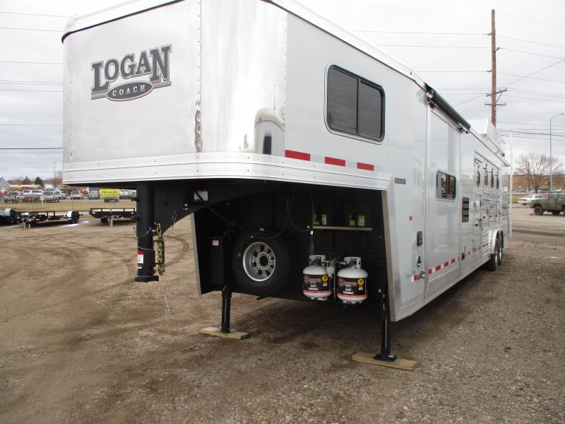 2020 Logan Coach Select Horse Trailer