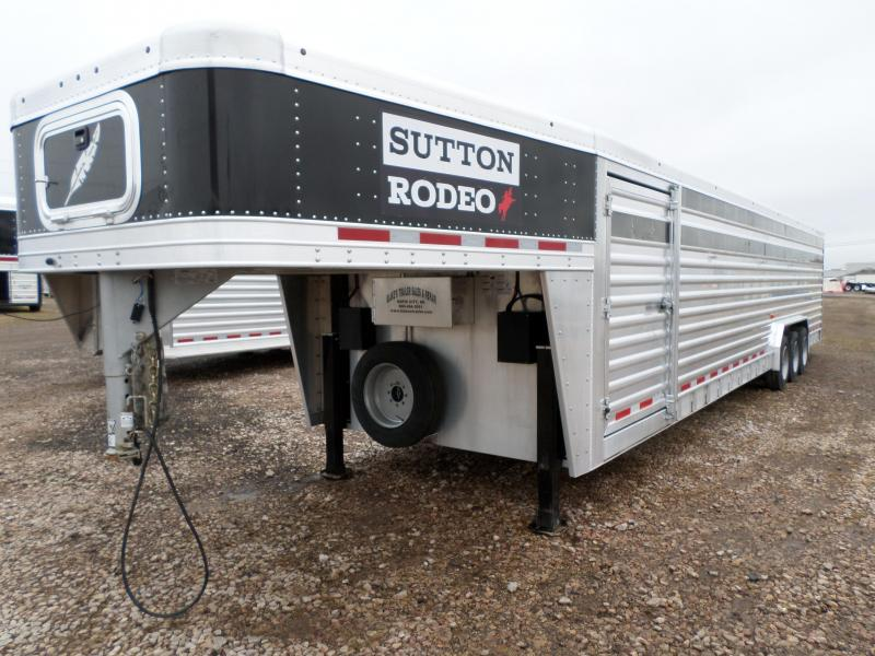 2015 Featherlite 8127-8036 Livestock Trailer
