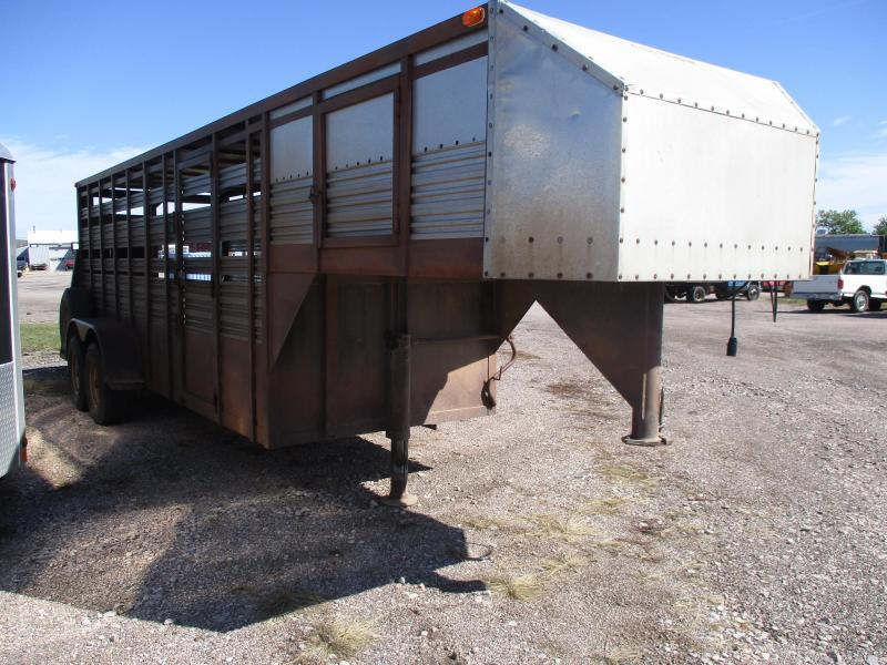 1982 D and P Enterprises Stock Livestock Trailer