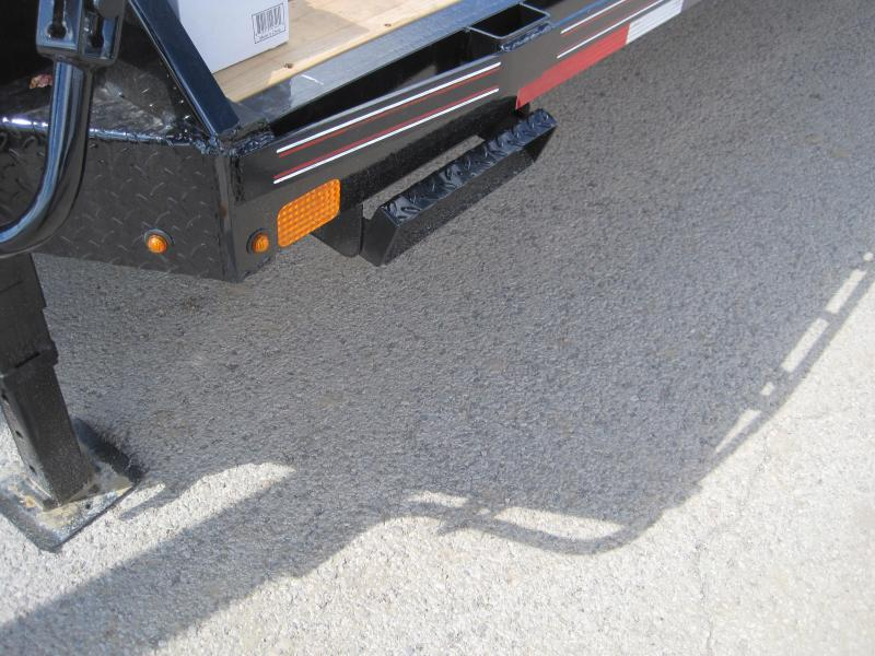 2019 Diamond C Trailers Fmax-212-40-MR- Flatbed Trailer
