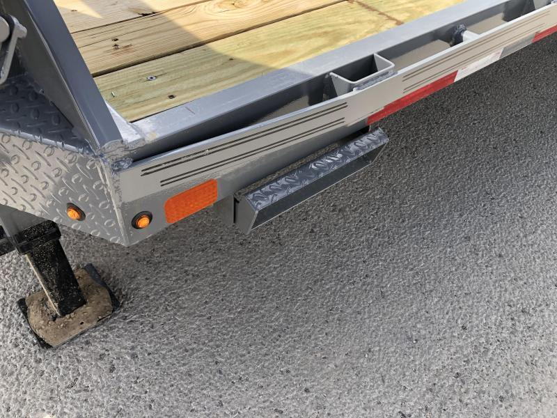 Diamond C Gooseneck Trailer Fmax- 40ft- 12,000# Axles- 25,900 GVWR- Max Ramps- Air ride with Lift Axle- 17.5 tires- Flatbed Trailer