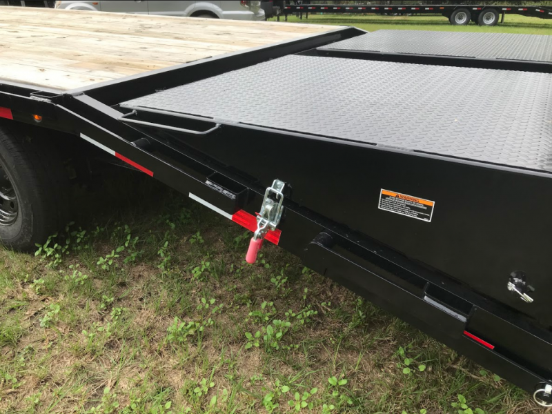 2020 Load Trail 102 x 26 Gooseneck w/ Self Clean Dove w/Max Ramp Equipment Trailer