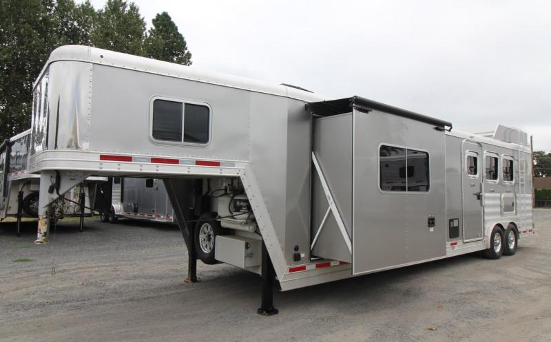 2016 Featherlite 9821 - 15ft SW Living Quarters 3 Horse Trailer - Generator Ready - Slide Out - Hayrack