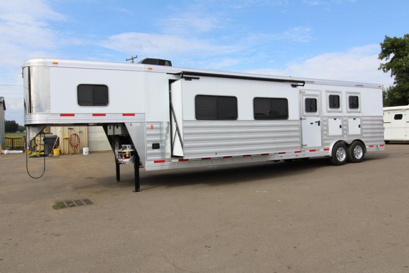 NEW 2019 Exiss 8316 - 3 Horse - 16' SW L.Q. w/ Slide-out - Easy Care Flooring - All Aluminum Horse Trailer - Dinette and Sofa! - Upgraded L.Q. Features - Mangers - Stud Wall - PRICE REDUCED BY $2700!