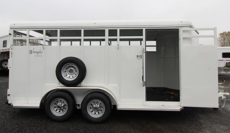 2020 Thuro-Bilt Wrangler 17ft Livestock Trailer w/ Center Gate & Side Door