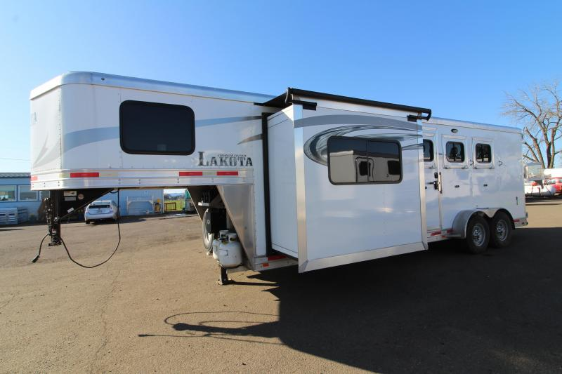 2018 Lakota Charger 3 Horse 11' SW Living Quarters Trailer - Slide Out - Sofa - All Aluminum Construction