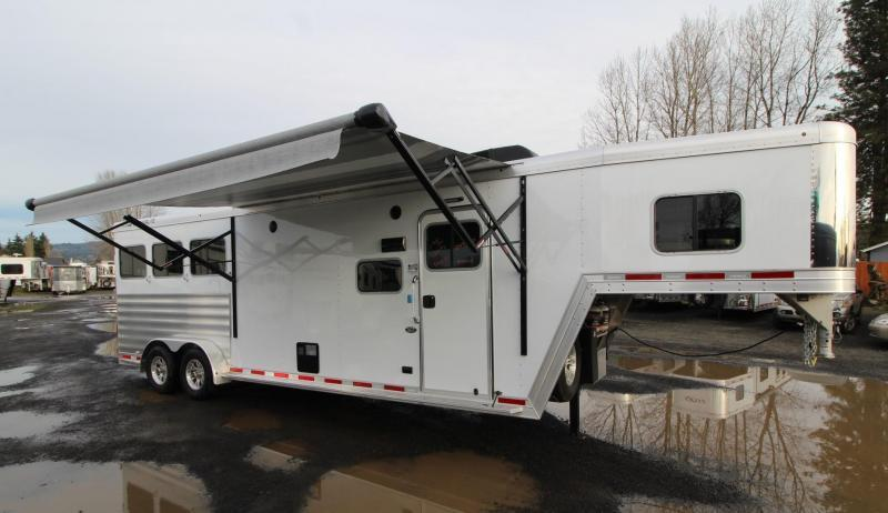 2020 Featherlite 7841 - Liberty 10ft sw Living Quarters 3 Horse Trailer - Easy Care Flooring - PRICE REDUCED $500