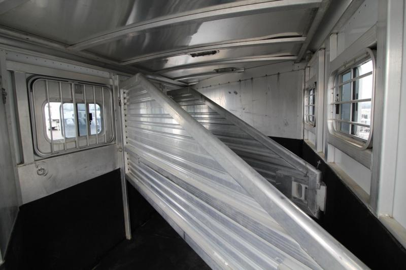 1999 Exiss Maximum SX 3 Horse Trailer LARGE Dressing Room - Rear Tack
