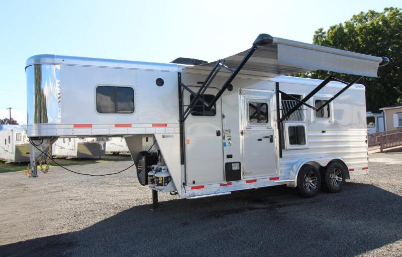 """2020 Exiss Escape 7304 - 4' 6""""SW Living Quarters 3 Horse Trailer - Easy Care Flooring - Electric Awning - Upgraded Side Sheets"""