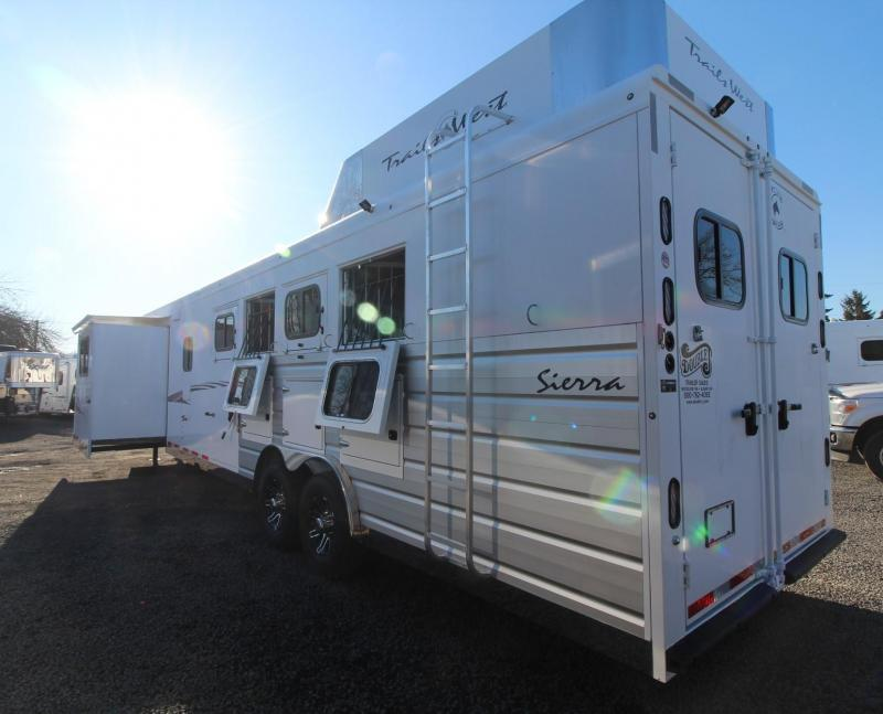2019 Trails West Sierra 15' x 19' Living Quarters w/ Slide PRICE REDUCED $1595- Bunk Bed - Generator Ready - 4 Horse Trailer