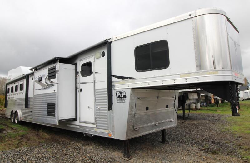 2014 Lakota Bighorn 18ft sw Living Quarters w/ TWO slide outs AMAZING INTERIOR - Generator - 4 Horse Trailer - Hayrack & More