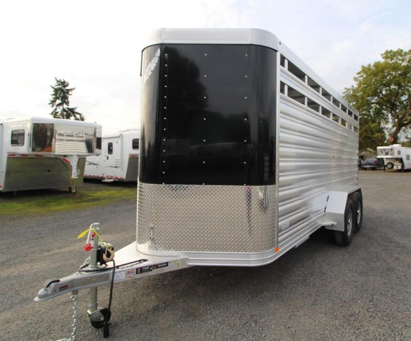 2020 Featherlite 8107 - 16ft Livestock Trailer - Sliding Sort Door - Center Divider Gate  - Curbside escape door -  Full length single rear door PRICE REDUCED