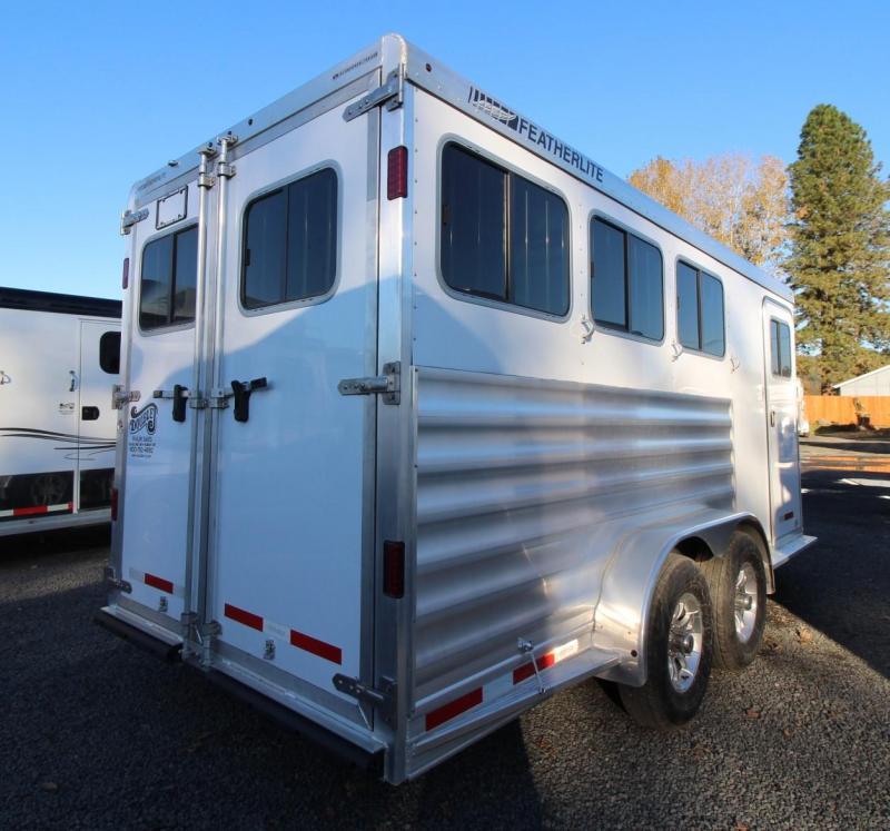 2020 Featherlite 7441 - Large Dressing Room - Rear Tack 3 Horse Trailer