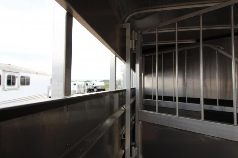 2018 Maverick Lite 3 Horse Trailer - All aluminum w/ wood floor - Double tail lights - Spare tire - EZ latch dividers -  Solid swing full height rear door - Spare tire