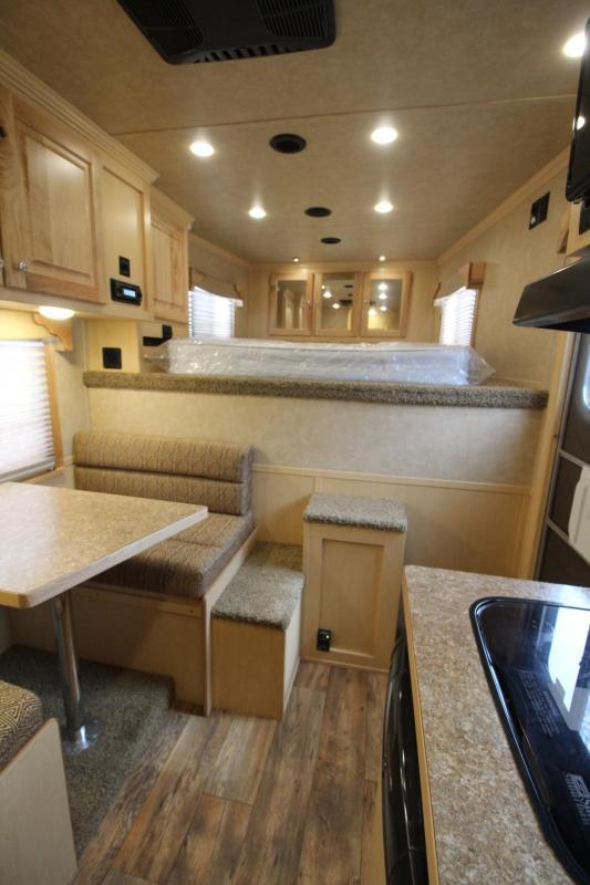 NEW 2017 Featherlite 8542 - 9 ft LQ - 3 Horse - Mangers - All Aluminum Horse Trailer - 7'6 OVER $2000 BELOW OUR COST!