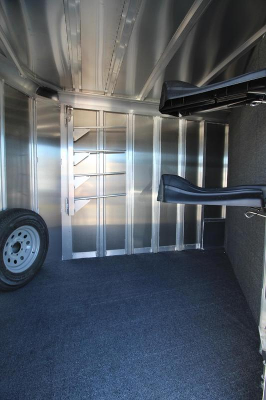 2020 Featherlite 9551 - Large Tack Room - Insulated Horse Area - 2 Horse Trailer PRICE REDUCED $500