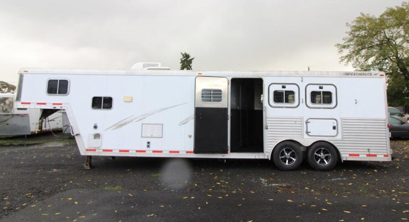 2000 Featherlite 8587 - 8' Wide - 13' Short Wall Living Quarters 3 Horse Trailer - Full-size Fridge - Dinette - Stud Divider LARGE STALLS PRICE REDUCED $1000