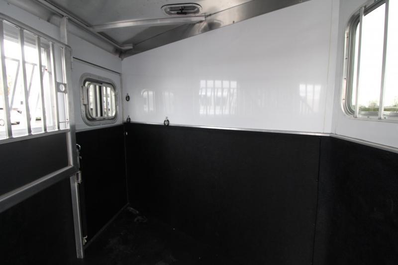 2020 Featherlite 7541 - Legend 4 Horse Trailer Large Dressing Room w/ Rear Tack - Jail Bar Dividers