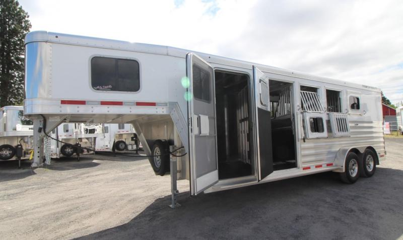 2020 Featherlite 7541 - Aluminum 4 Horse Trailer - LARGE Dressing Room - Rear Tack PRICE REDUCED