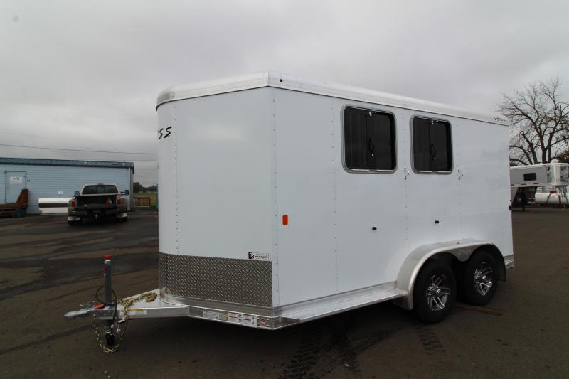 2020 Exiss 720 Horse Trailer - Lined and insulated horse area - Drop down feed windows - Pop up roof vents
