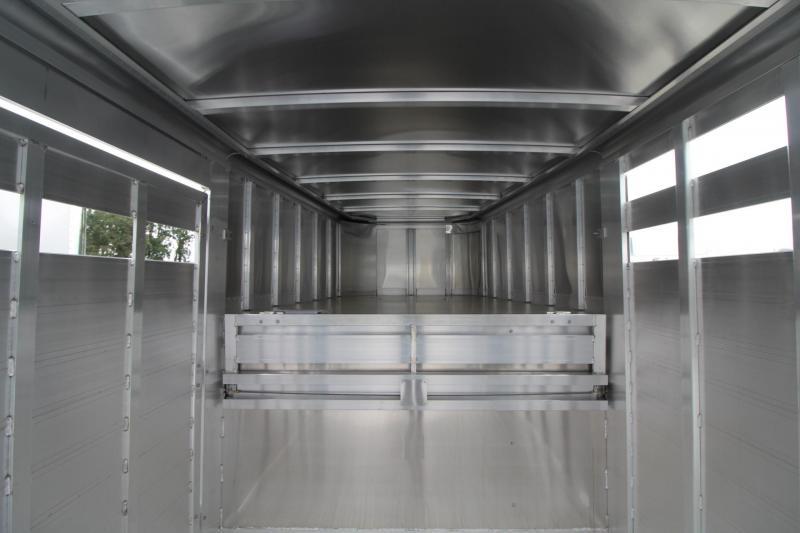 2020 Featherlite 8127 - 24ft Livestock Trailer - Sorting Doors - Driver side escape door - Stock air flow vents