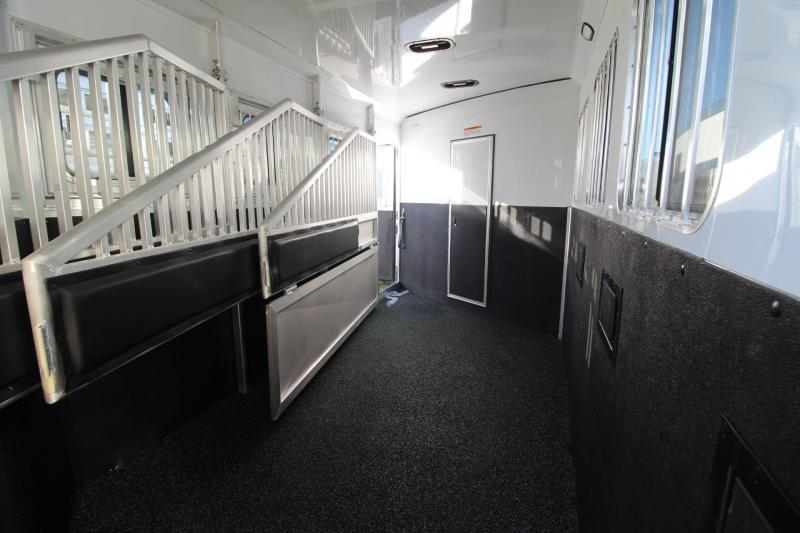 2019 Exiss Escape 7410 Living Quarters w/ 10' Short Wall - Slide Out - Easy Care Flooring - Dinette - Lined & Insulated Ceiling - 4 Horse Trailer PRICE REDUCED $5300